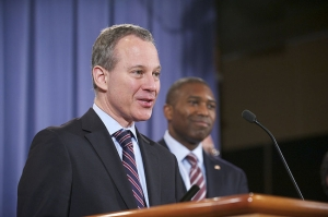Eric_Schneiderman-Tony_West-DOJ2012