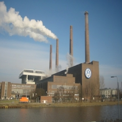 Volkswagen employees go to the polls on Wednesday, but will state politicians' threats affect their union election?   Andreas Praefcke/Wikimedia Commons
